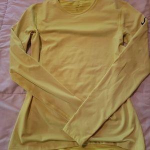 Nike Dri Fit Thermal long sleeve